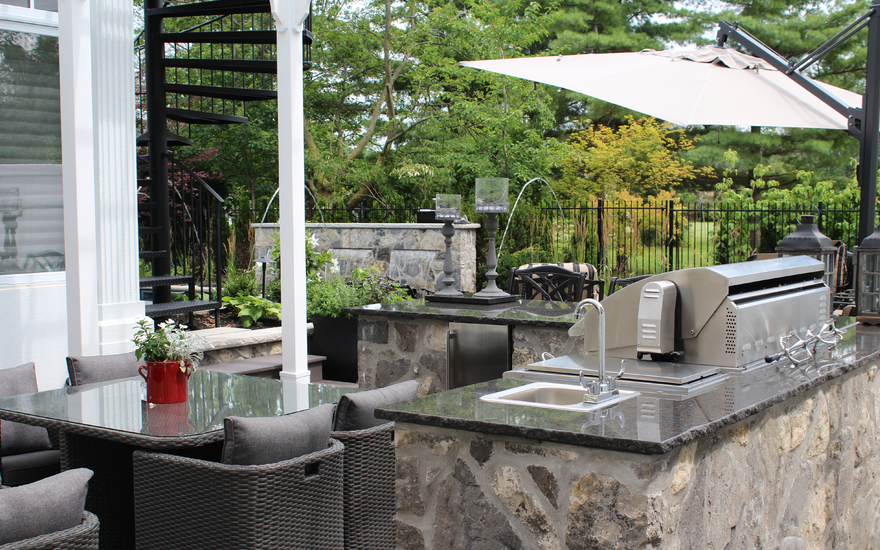 Outdoor BBQ and fireplace and kitchen sink