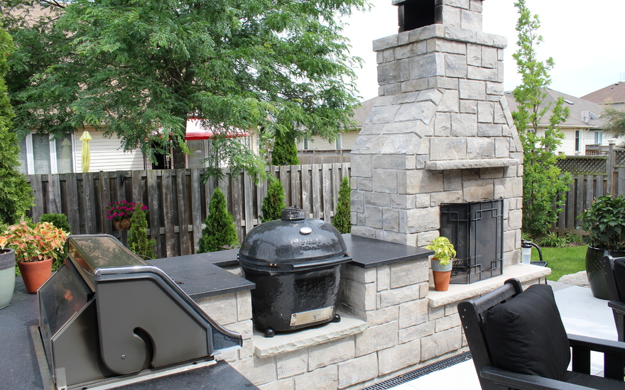 Outdoor BBQ and fireplace